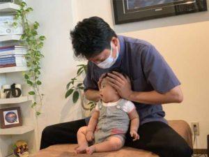 なお整骨院赤ちゃんの施術写真